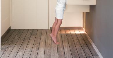 Le Stratifié Pour Les Pièces Deau Le Blog Du Sol - Parquet quick step salle de bain